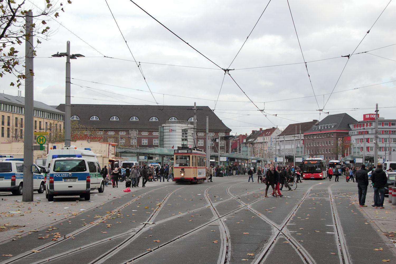 http://www.nachtbahner.de/Fotos/2013-11-03%203530%20&%20701%20Stadionverkehr%20&%20Freimarkt/2013-11-03%203530%20&%20701%20%281%29.JPG