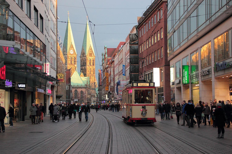 http://www.nachtbahner.de/Fotos/2013-11-03%203530%20&%20701%20Stadionverkehr%20&%20Freimarkt/2013-11-03%203530%20&%20701%20%2810%29.JPG