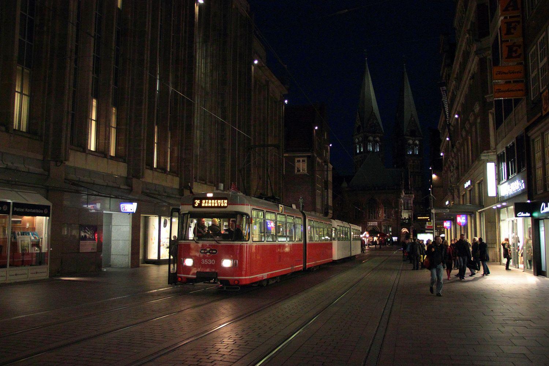 http://www.nachtbahner.de/Fotos/2013-11-03%203530%20&%20701%20Stadionverkehr%20&%20Freimarkt/2013-11-03%203530%20&%20701%20%2812%29.JPG
