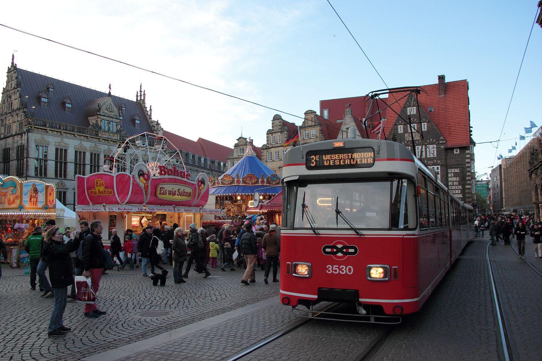 http://www.nachtbahner.de/Fotos/2013-11-03%203530%20&%20701%20Stadionverkehr%20&%20Freimarkt/2013-11-03%203530%20&%20701%20%286%29.JPG