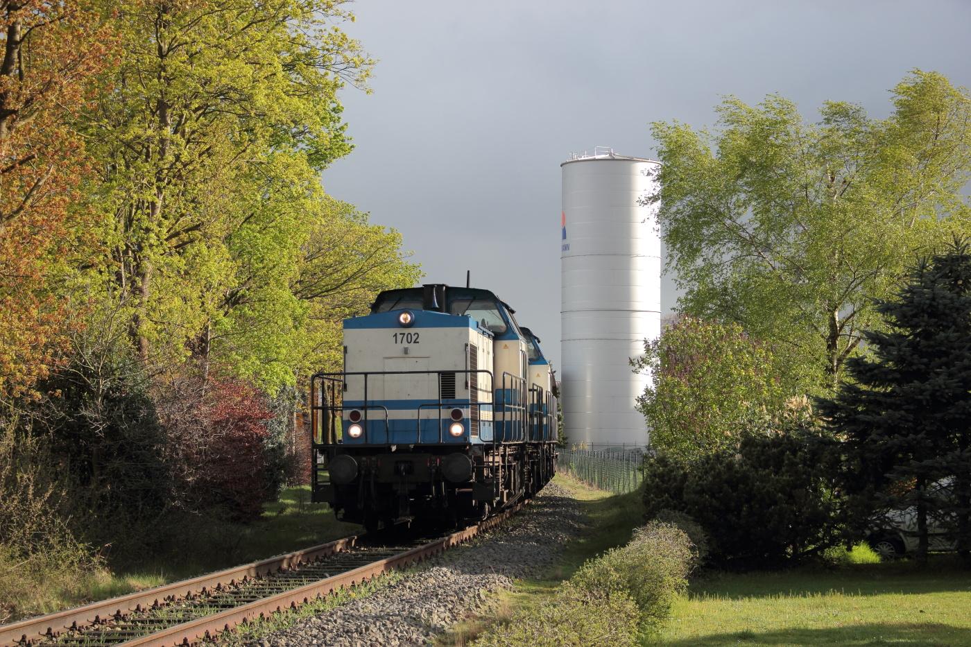http://www.nachtbahner.de/Fotos/2014-04-14%20Torf-%20u.%20NE-Bahnen%20zwischen%20Weser%20und%20Ems/k-IMG_3088%20Torf-%20u.%20NE-Bahnen%20Weser-Ems%2014.04.14%20(17).JPG
