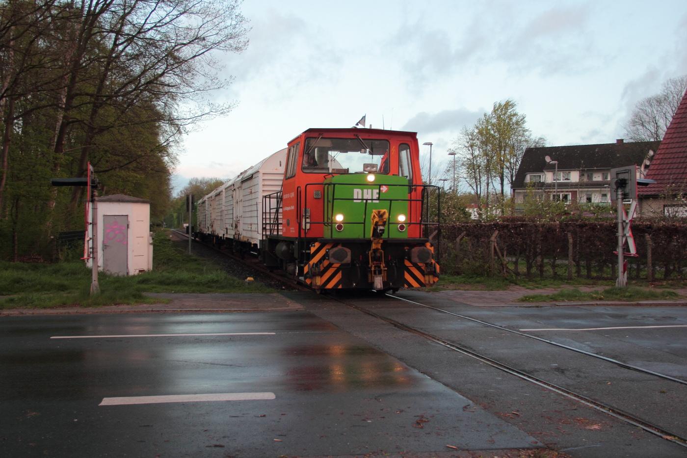 http://www.nachtbahner.de/Fotos/2014-04-14%20Torf-%20u.%20NE-Bahnen%20zwischen%20Weser%20und%20Ems/k-IMG_3120%20Torf-%20u.%20NE-Bahnen%20Weser-Ems%2014.04.14%20(19).JPG