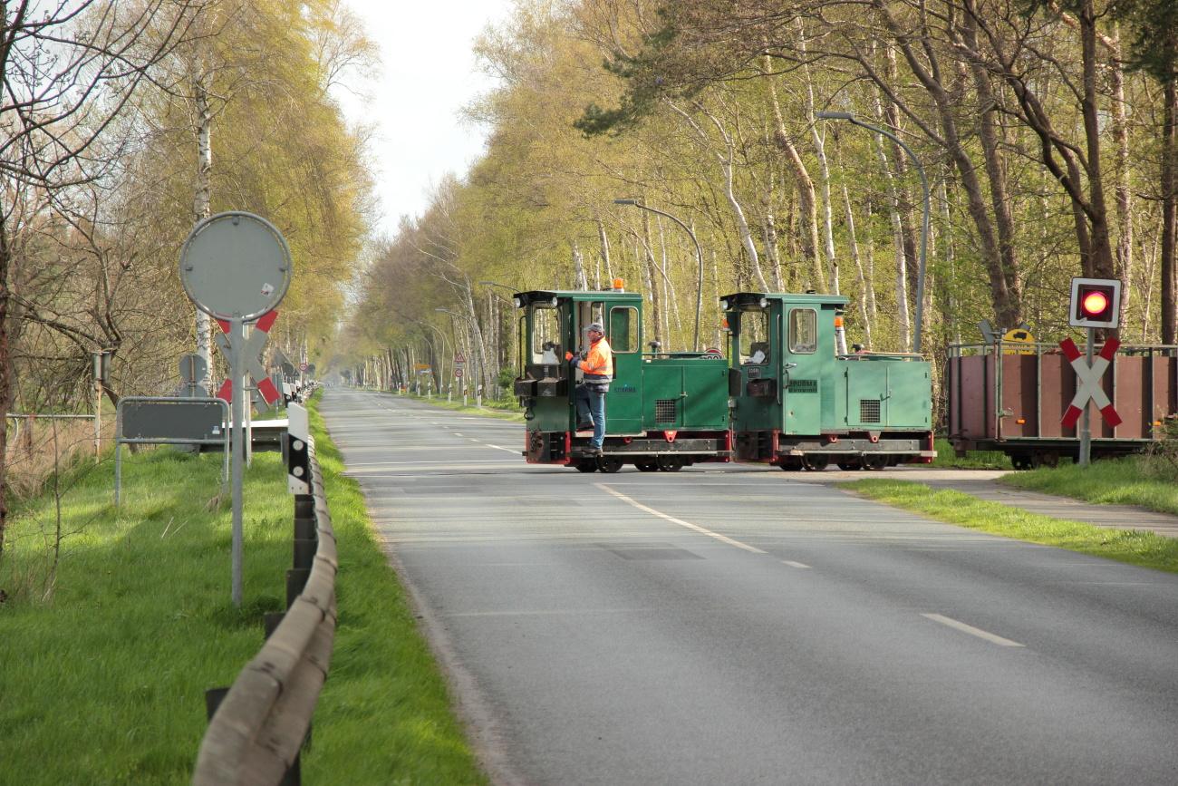 http://www.nachtbahner.de/Fotos/2014-04-15%20Torftour%20im%20Elbe-Weser-Dreieck/k-IMG_3127%20Torftour%20im%20Elbe-Weser-Dreieck%2015.04.14%20(1).JPG