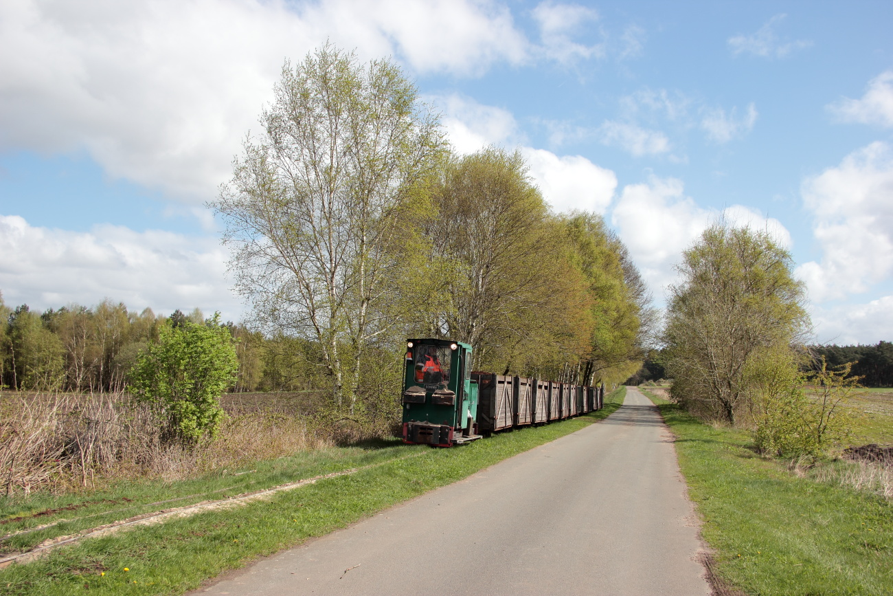 http://www.nachtbahner.de/Fotos/2014-04-15%20Torftour%20im%20Elbe-Weser-Dreieck/k-IMG_3325%20Torftour%20im%20Elbe-Weser-Dreieck%2015.04.14%20(12).JPG