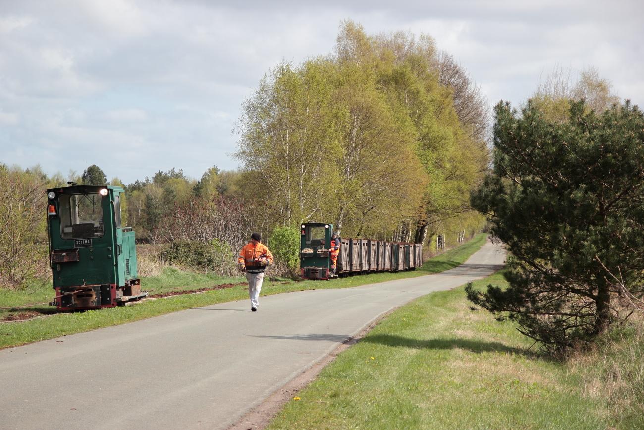 http://www.nachtbahner.de/Fotos/2014-04-15%20Torftour%20im%20Elbe-Weser-Dreieck/k-IMG_3345%20Torftour%20im%20Elbe-Weser-Dreieck%2015.04.14%20(14).JPG