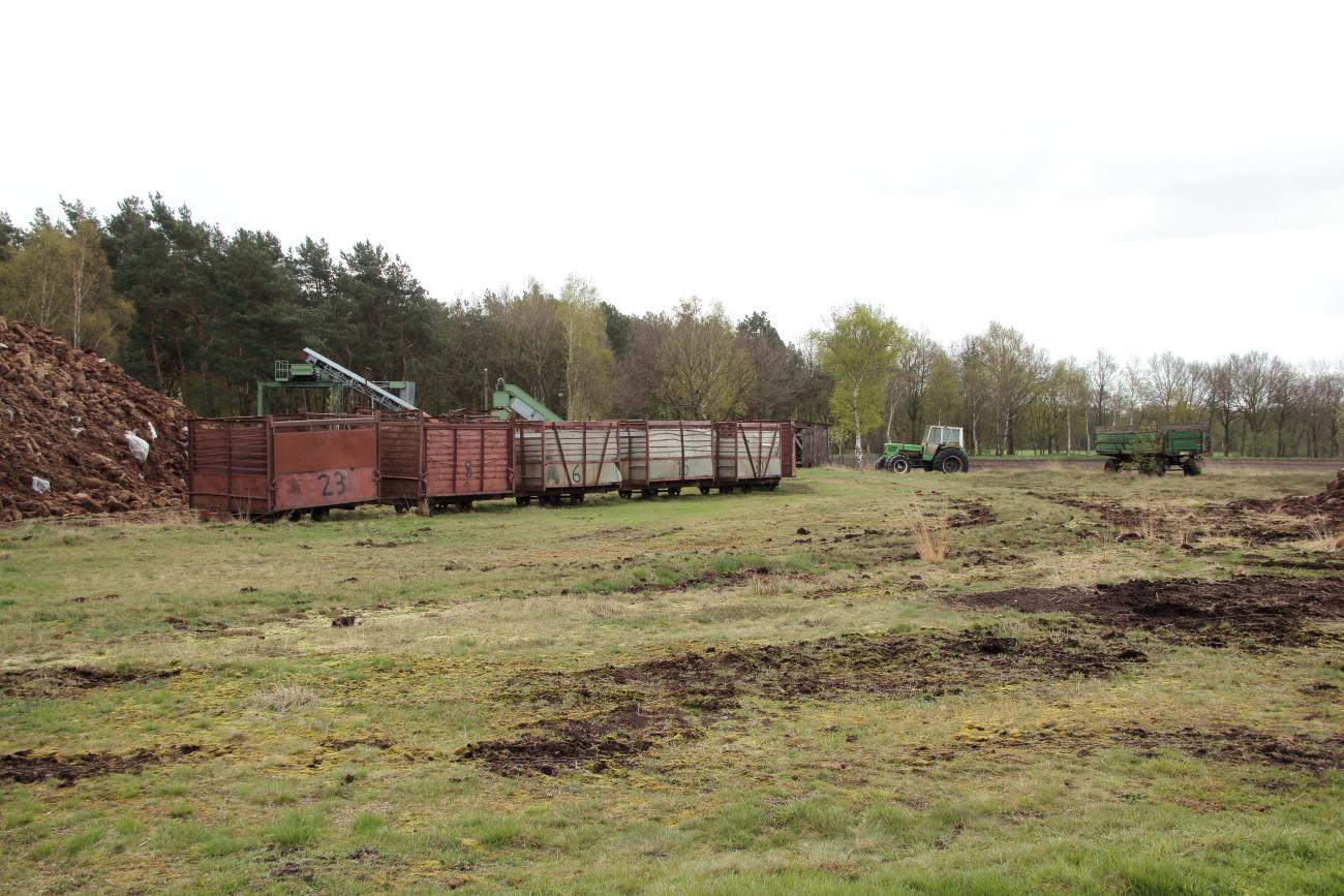 http://www.nachtbahner.de/Fotos/2014-04-15%20Torftour%20im%20Elbe-Weser-Dreieck/k-IMG_3399%20Torftour%20im%20Elbe-Weser-Dreieck%2015.04.14%20(15).JPG