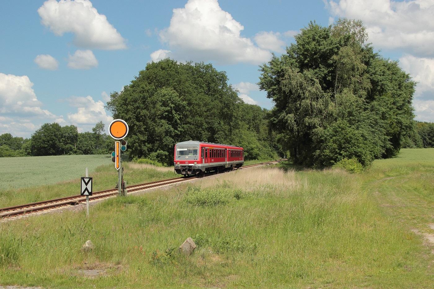 http://www.nachtbahner.de/Fotos/2014-05-30%20KBS%20115%20M%c3%bchlenbahn%20Uelzen%20-%20Braunschweig%20/k-IMG_6392%20KBS%20115%20M%c3%bchlenbahn%2030.05.14%20(4).JPG