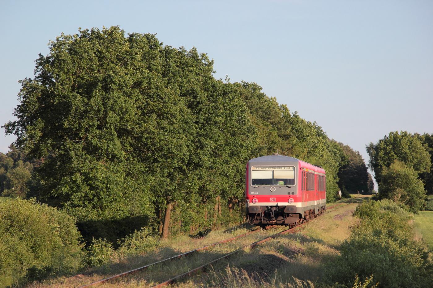 http://www.nachtbahner.de/Fotos/2014-05-30%20KBS%20115%20M%c3%bchlenbahn%20Uelzen%20-%20Braunschweig%20/k-IMG_6489%20KBS%20115%20M%c3%bchlenbahn%2030.05.14%20(11).JPG