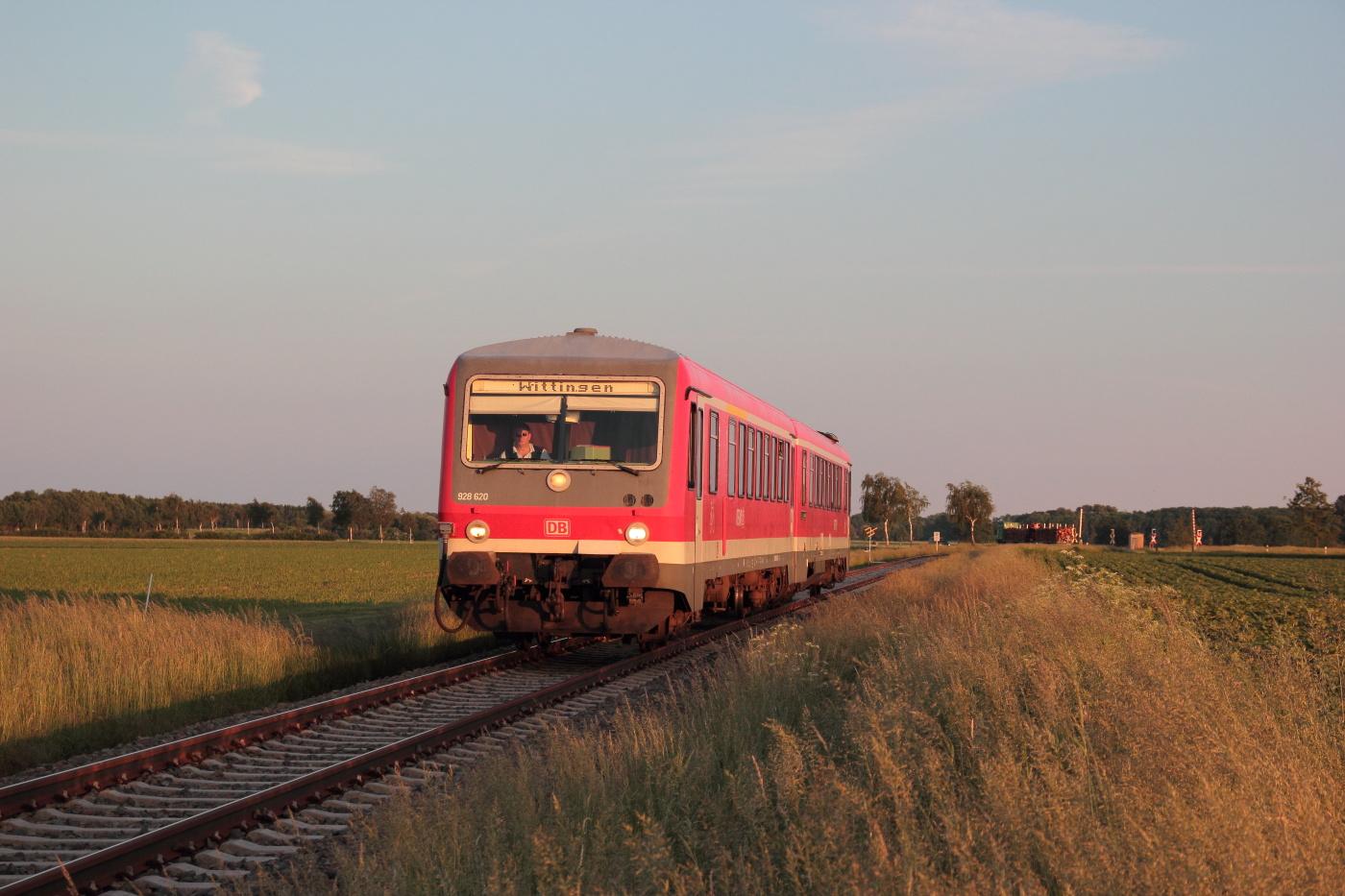 http://www.nachtbahner.de/Fotos/2014-05-30%20KBS%20115%20M%c3%bchlenbahn%20Uelzen%20-%20Braunschweig%20/k-IMG_6511%20KBS%20115%20M%c3%bchlenbahn%2030.05.14%20(14).JPG