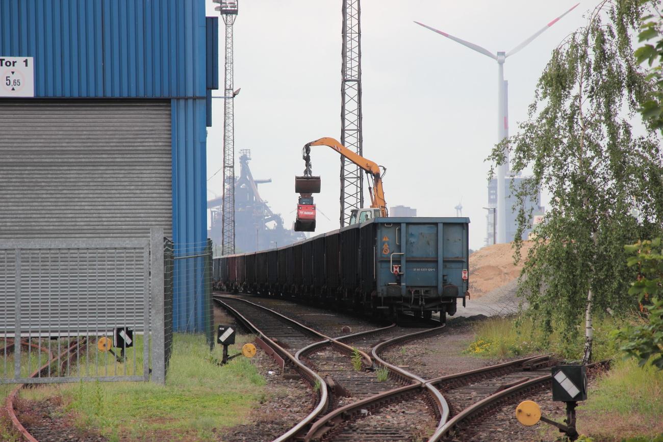 http://www.nachtbahner.de/Fotos/2014-06-11%20LWB%20225%20801%20Industrieh%c3%a4fen/k-IMG_7650%20LWB%20225%20806%20Industrieh%c3%a4fen%2011.06.14%20(14).JPG