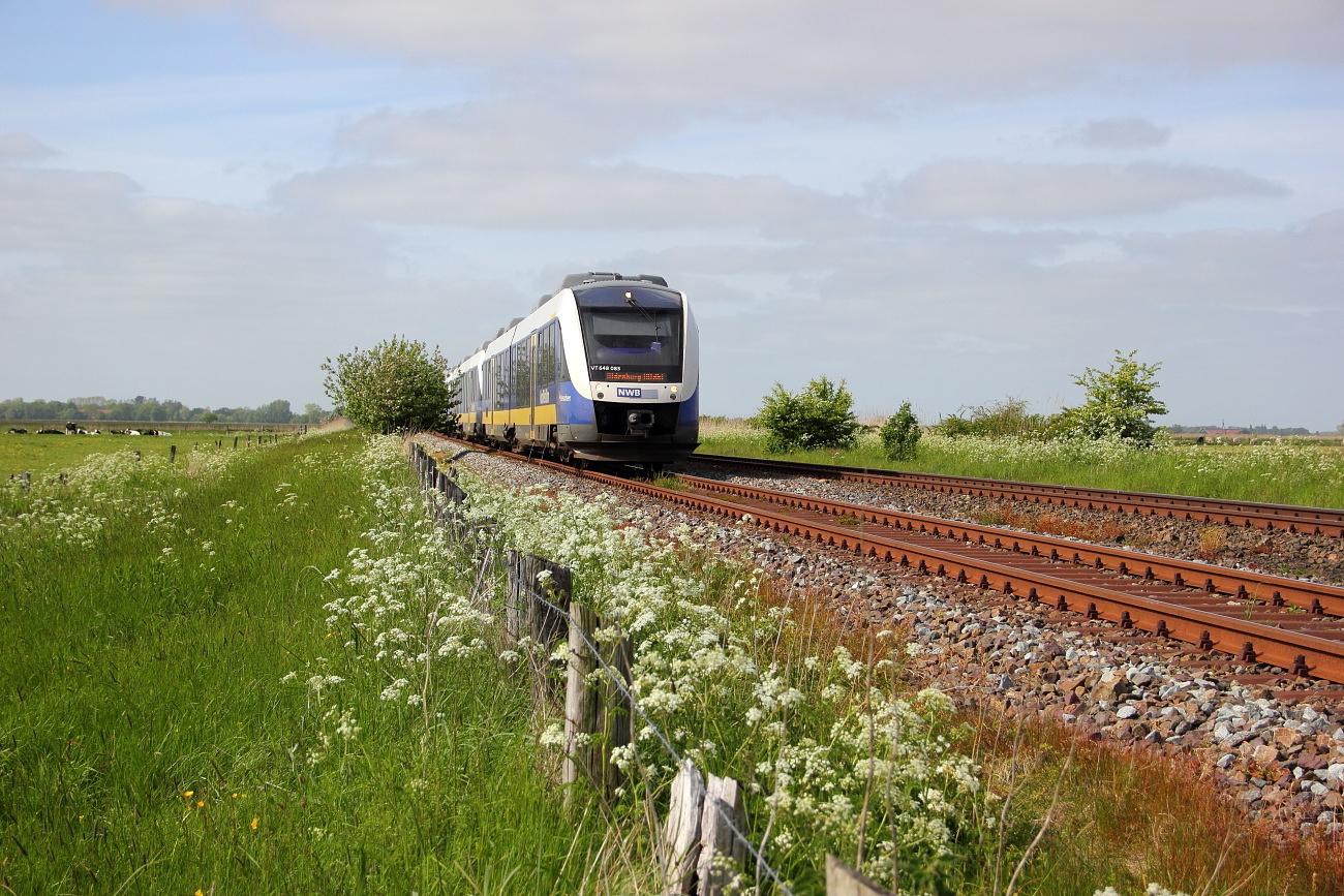 http://www.nachtbahner.de/Fotos/2015-05-24%20Jadebahn%20bei%20Ellenserdammersiel/k-IMG_2512%20Jadebahn%20bei%20Ellenserdammersiel%2023.05.15%20(5).JPG