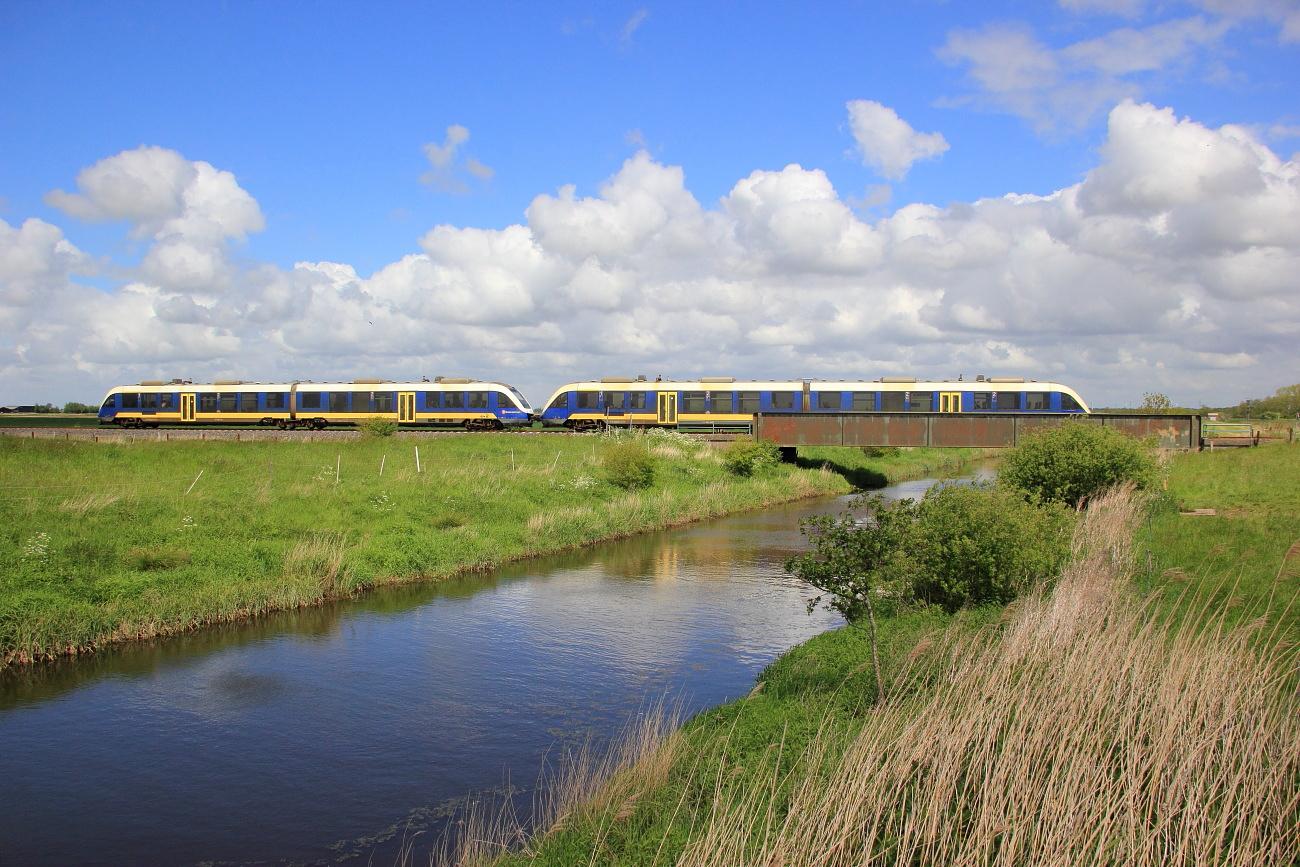 http://www.nachtbahner.de/Fotos/2015-07-10%20Nordseebahn%20Teil%201/k-IMG_2797%20Nordseebahn%2026.05.15%20(1).JPG