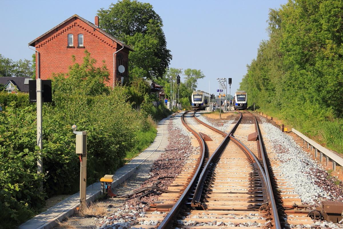 http://www.nachtbahner.de/Fotos/2015-07-10%20Nordseebahn%20Teil%202/k-IMG_3484%20Nordseebahn%2012.06.15%20(5).JPG