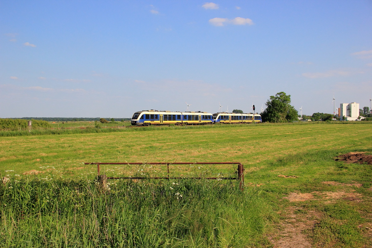 http://www.nachtbahner.de/Fotos/2015-07-10%20Nordseebahn%20Teil%202/k-IMG_3498%20Nordseebahn%2012.06.15%20(7).JPG