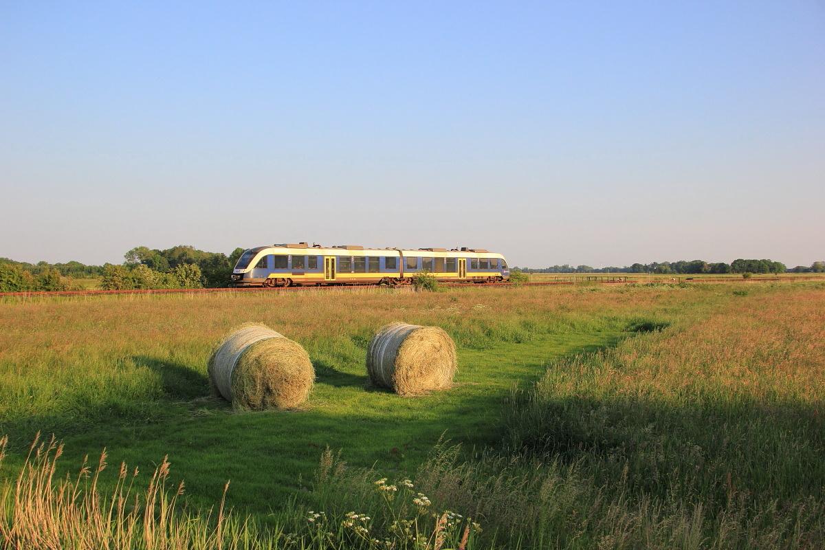 http://www.nachtbahner.de/Fotos/2015-07-10%20Nordseebahn%20Teil%202/k-IMG_3548%20Nordseebahn%2012.06.15%20(10).JPG